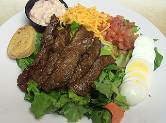 steak-salad-gameday-grille-patio-waynesville