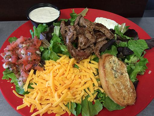 steak-salad-gameday-grille-patio-waynesville